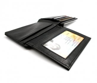 Luxe men's wallet with ID card pocket