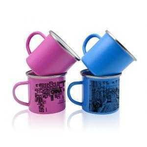 Tasse émaillé vintage de différentes couleurs