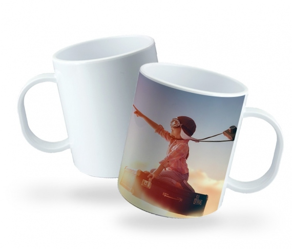 Customizable plastic mugs