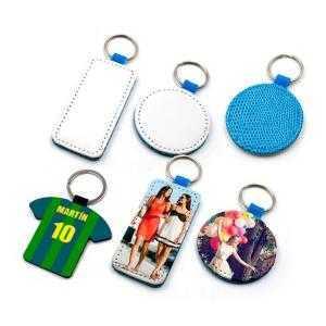 Porte-clés en similcuir bleu (différentes formes)