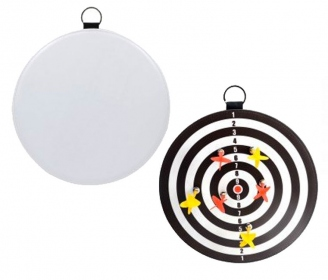 Dartboard with magnetic darts
